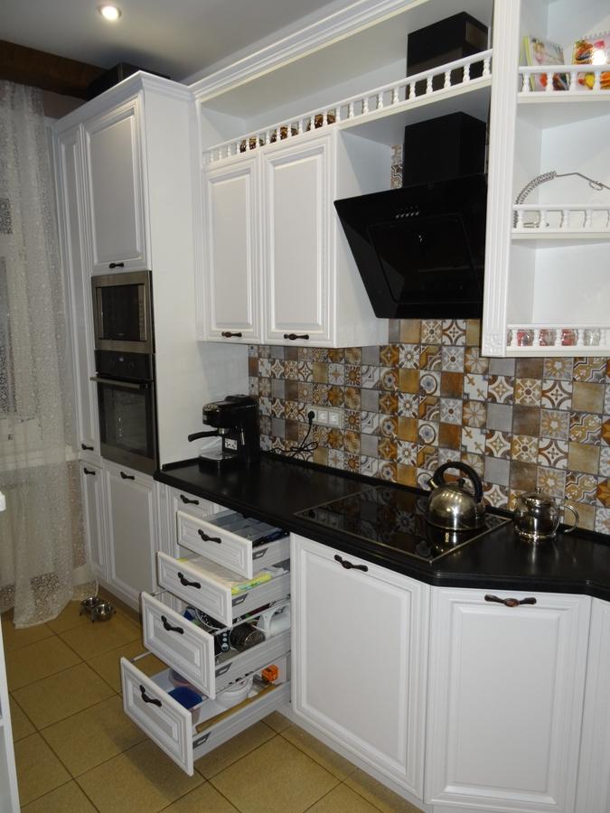 Белый кухонный гарнитур-Кухня МДФ в эмали «Модель 20»-фото7