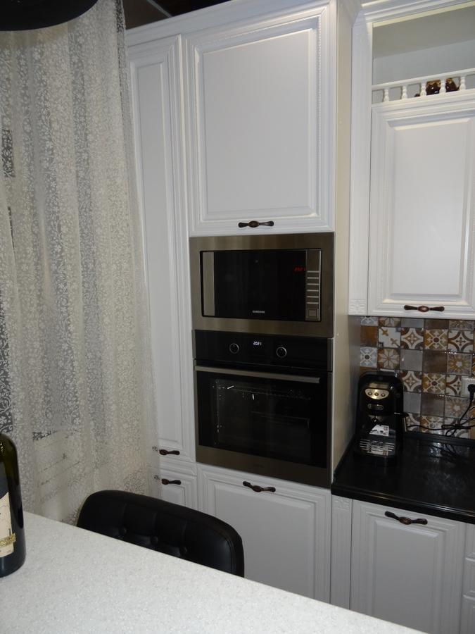 Белый кухонный гарнитур-Кухня МДФ в эмали «Модель 20»-фото2