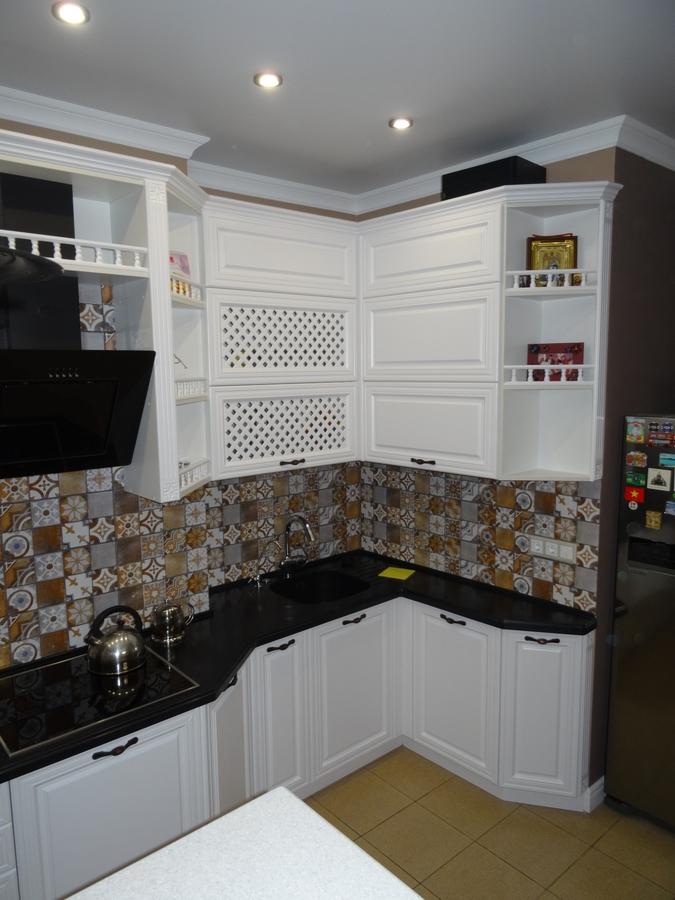 Белый кухонный гарнитур-Кухня МДФ в эмали «Модель 20»-фото6